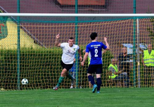 Tomasz Szyper zdobył trzy bramki, dzięki czemu Tempo odniosło wysoką wygraną, ale i sam napastnik objął prowadzenie w klasyfikacji strzelców, fot. Grzegorz Borus