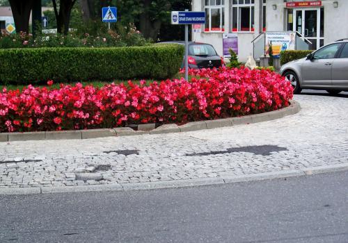 Rondo na skrzyżowaniu ul. Cieszyńskiej i Pawła Stalmacha. fot. KR/ox.pl