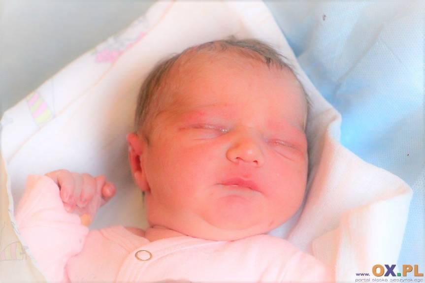 Amelia Staniek z Iskrzyczyna, córka Anety i Szymona, siostra Krzysia.