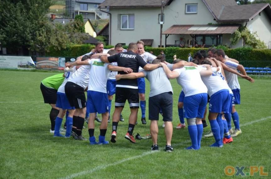 Pogórze, jako jedyna drużyna w skoczowskiej A klasie, może się pochwalić kompletem punktów po trzech meczach, fot. Piotr Górecki