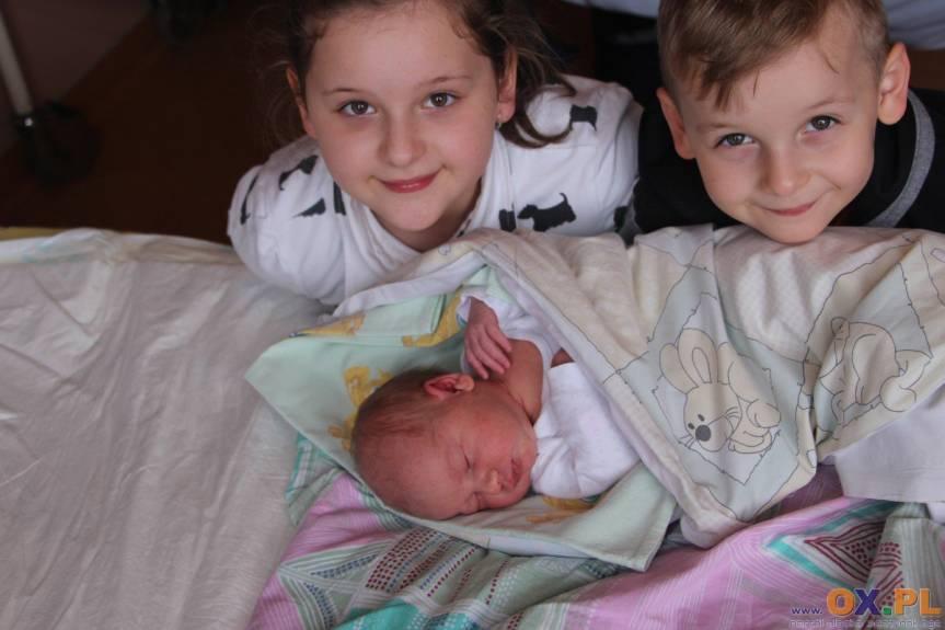 Nelcia Panewka z Cieszyna z bratem Kacprem i siostrą Julią, dz. Kingi i Patrycjusza