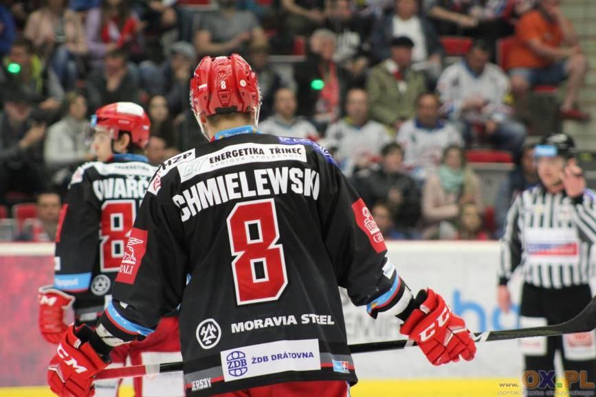 Jednym z autorów trafień dla Trzyńca był reprezentant Polski, Aron Chmielewski, fot. Andrzej Poncza