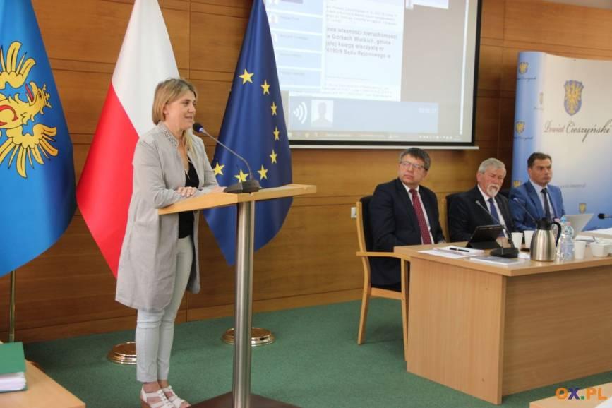 Głos na sesji zabrała Joanna Jurgała-Jureczka – znawczyni twórczości rodu Kossaków / fot. MSZ