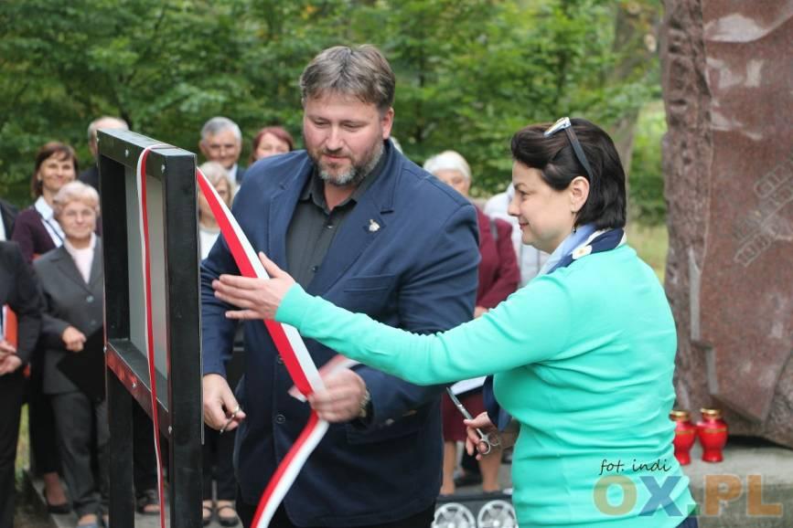 Symbolicznego odsłonięcia tablicy dokonała Konsul Generalna RP w Ostrawie Izabella Wołłejko-Chwastowicz
