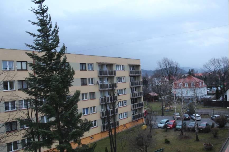Nie parkuj samochodu pod drzewami, pochowaj przedmioty z balkonu fot. ARC OX.PL