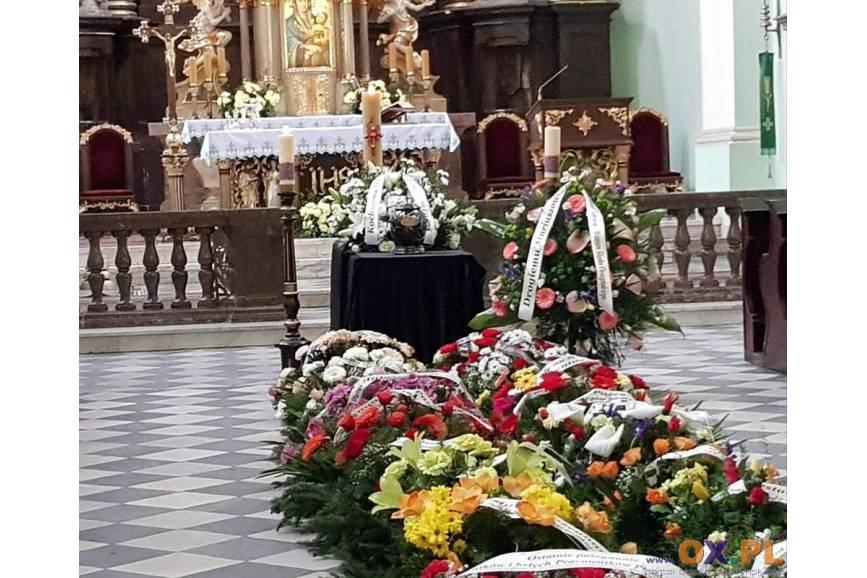 Szczególne zasady obowiązują rónież podczas organizacji pogrzebów. fot. ARC OX.PL