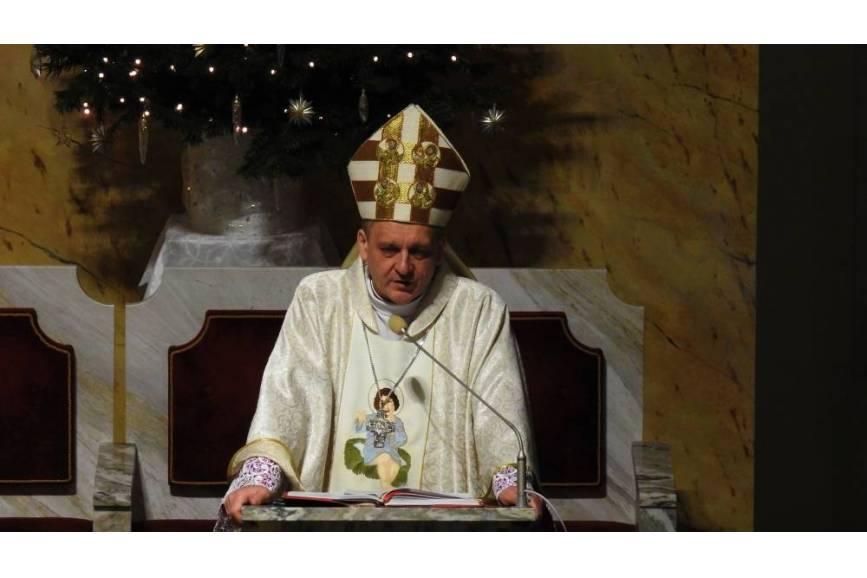 Biskup Ordynariusz Roman Pindel podał szczegółowe wytyczne dla wiernych na czas epidemii fot. ARC