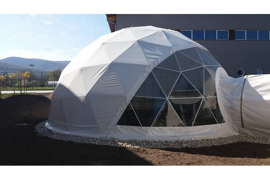 Namiot, w którym będzie się znajdować Motylarnia. źródło: facebook.com/radoslaw.g.ostalkiewicz