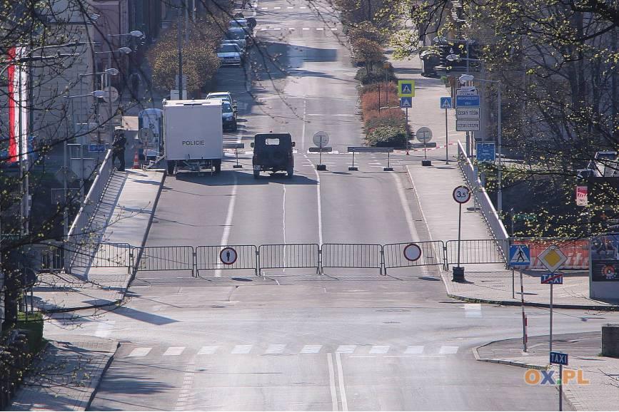 Fot: Zamknięty Most Wolności w Cieszynie /arc.ox.pl
