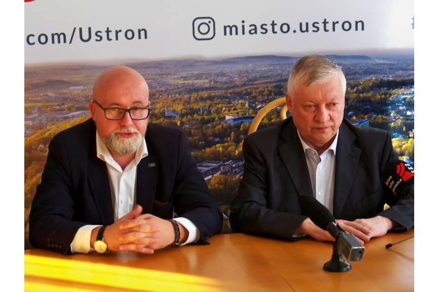 Przemysław Korcz i Anatolij Karpow. Fot. KR/ox.pl